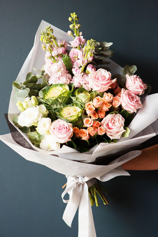 flower designer seasonal pastel & pretty