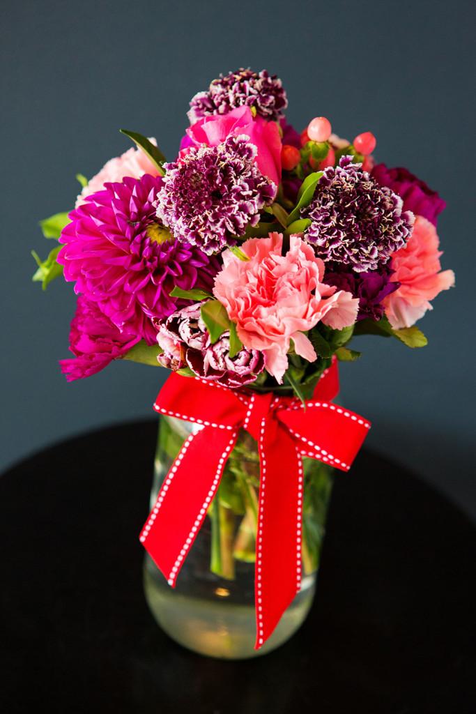 valentines-day-pretty-sweet-newfarm-florist